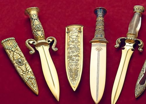 The Gem of the Orient Knife